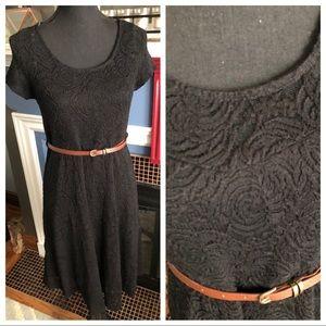 NWT PinkBlush maternity belted lace dress, sz L